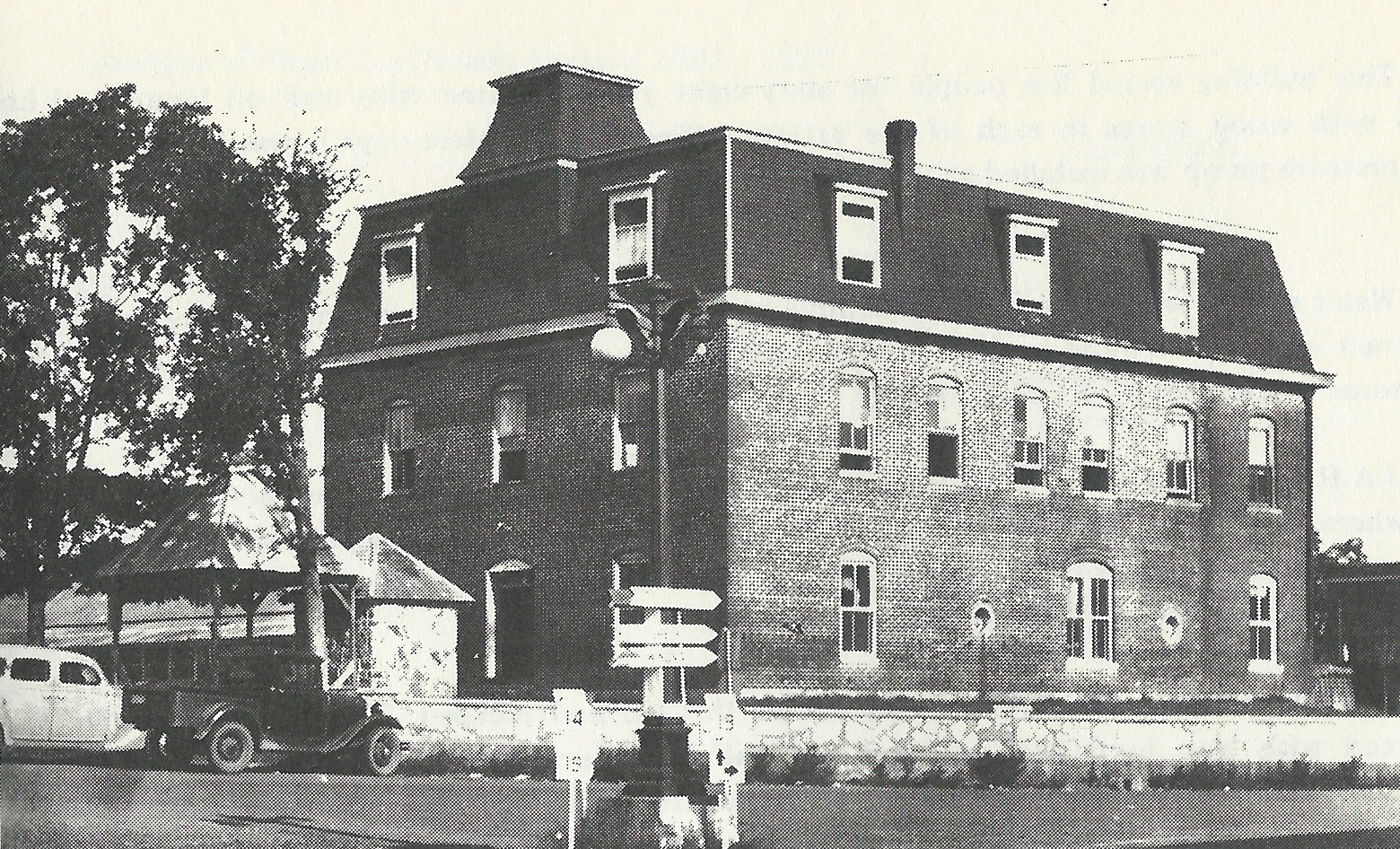The second Courthouse in 1903