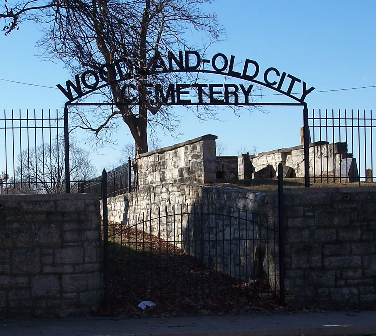 Entrance to Woodland-Old City Cemetery